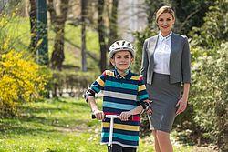 s biciklom